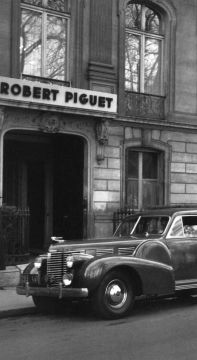 Robert_Piguet_store_grey