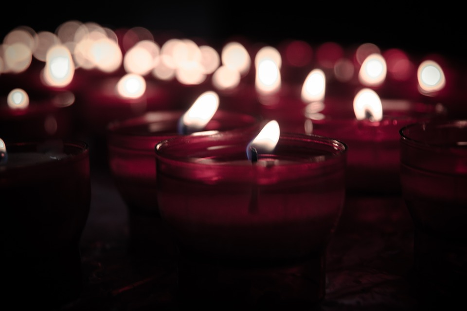 candles-925141_960_720