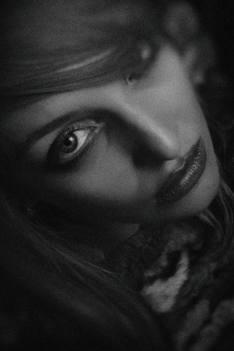 https://www.pexels.com/photo/greyscale-photo-of-woman-1089395/