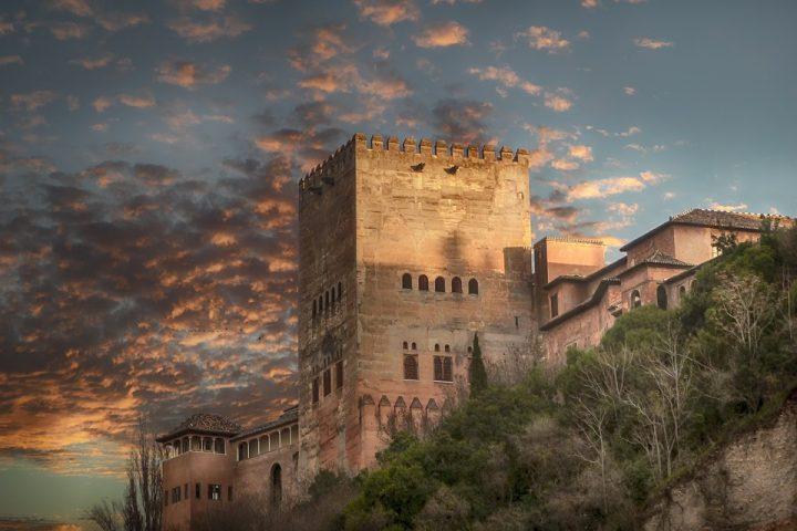 https://pixabay.com/de/photos/alhambra-granada-architektur-3689538/
