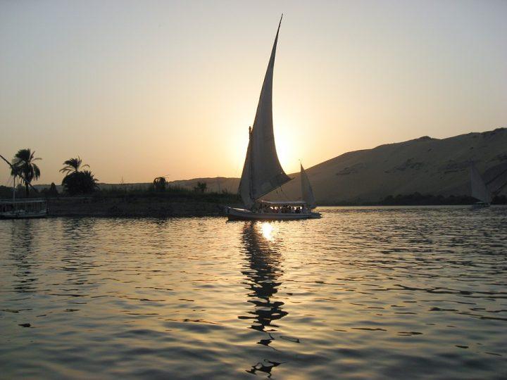 https://pixabay.com/de/photos/%C3%A4gypten-nil-felucca-sonnenuntergang-645355/