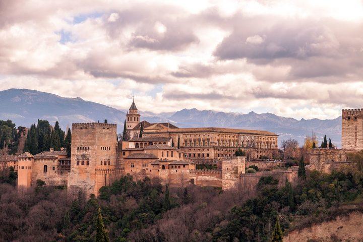 https://pixabay.com/de/photos/landschaft-spanien-panorama-berge-3727641/
