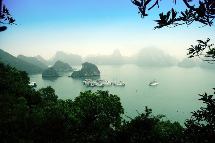 https://pixabay.com/de/photos/halong-bay-vietnam-asien-meer-nur-1330638/