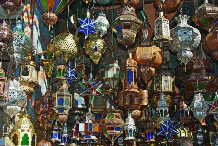 https://pixabay.com/de/photos/marrakesch-souk-markt-lampe-893639/