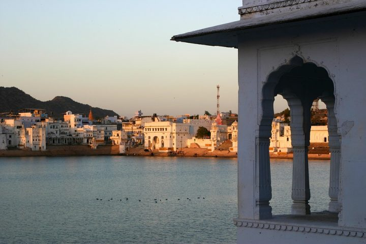 https://pixabay.com/de/photos/pushkar-indien-heilige-hinduismus-2311800/