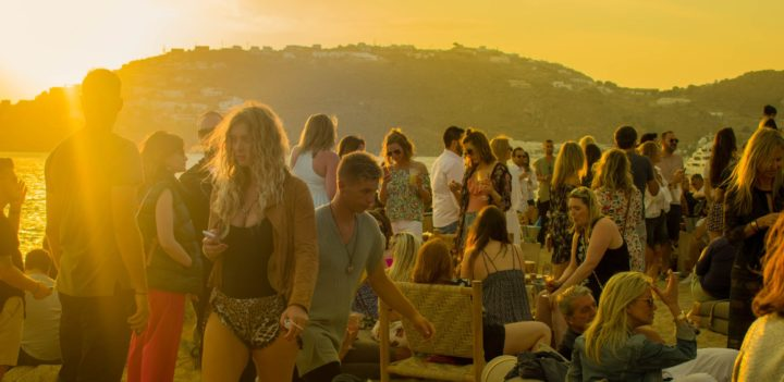 https://www.pexels.com/photo/crowd-of-people-gathering-during-golden-hour-1117256/