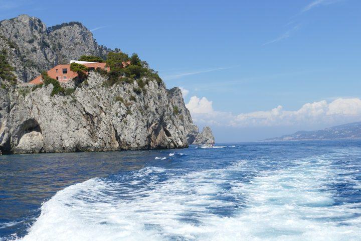 https://pixabay.com/de/photos/capri-italien-k%C3%BCste-mittelmeer-3521968/