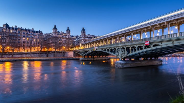 https://pixabay.com/de/photos/paris-br%C3%BCcke-frankreich-fluss-4345139/
