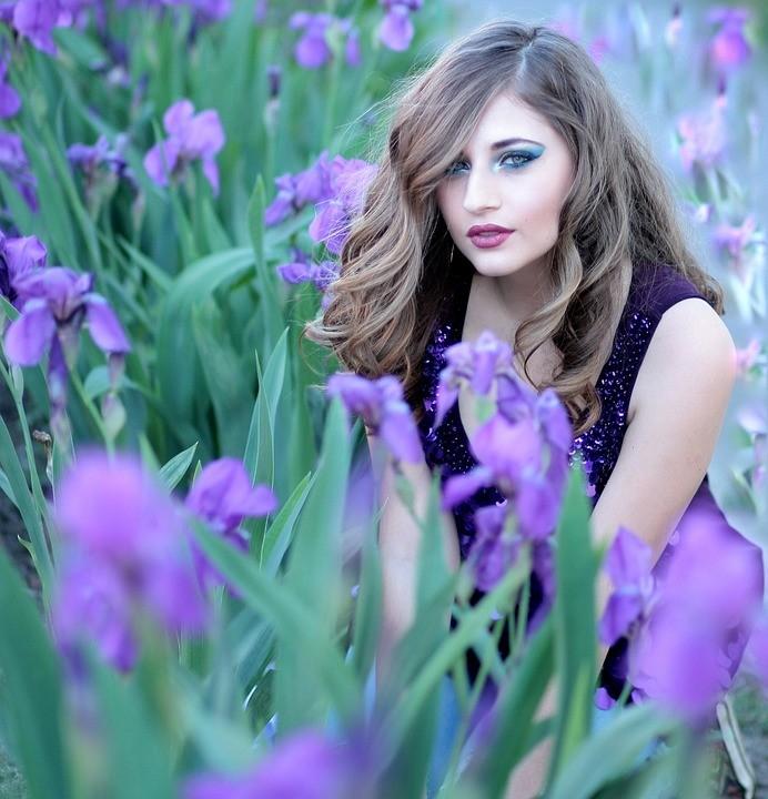 https://pixabay.com/photos/girl-mov-flowers-iris-blonde-1361787/
