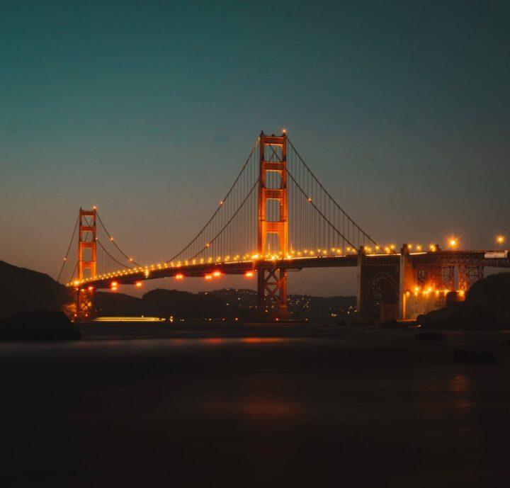 https://www.pexels.com/photo/lighted-golden-gate-bridge-2881608/