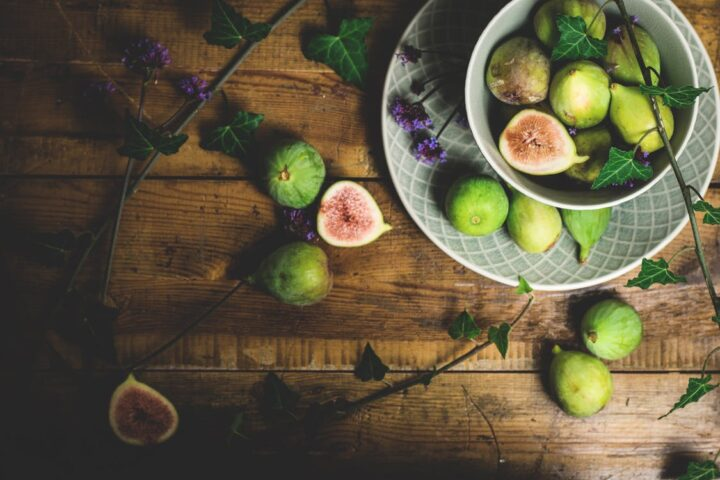 https://www.pexels.com/photo/sliced-guava-fruits-on-table-1410237/