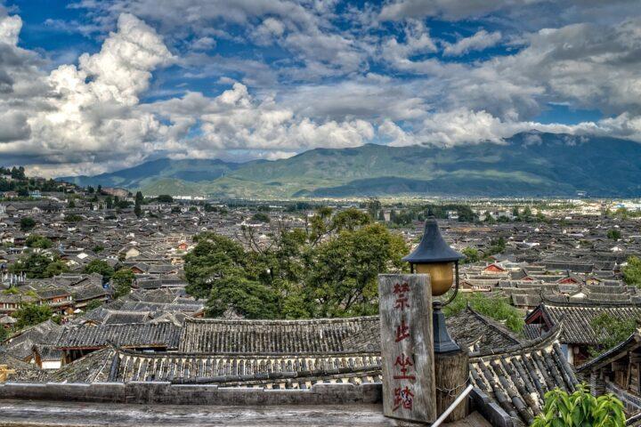https://pixabay.com/de/photos/chinesisch-stadt-stadtbild-kultur-3801878/