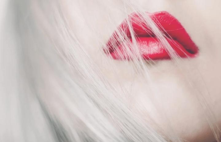 https://pixabay.com/de/photos/frau-m%C3%A4dchen-modell-gesicht-lippen-1281830/