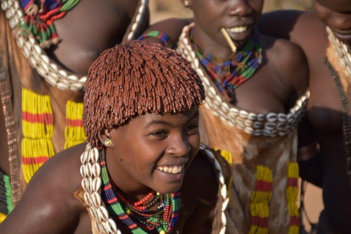 https://pixabay.com/de/photos/hammer-%C3%A4thiopien-stamm-ethnie-4169142/