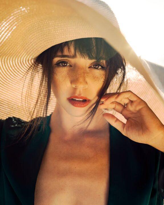 https://www.pexels.com/photo/photo-of-woman-wearing-sun-hat-2906664/