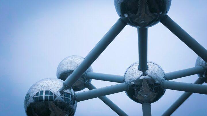 Atomium – Brüssel – Les Eaux Primordiales – Particules Imprévisibles