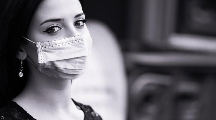 https://pixabay.com/de/photos/virus-schutz-coronavirus-frau-4971922/
