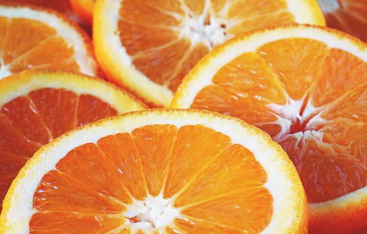 https://www.pexels.com/photo/sliced-oranges-1937743/