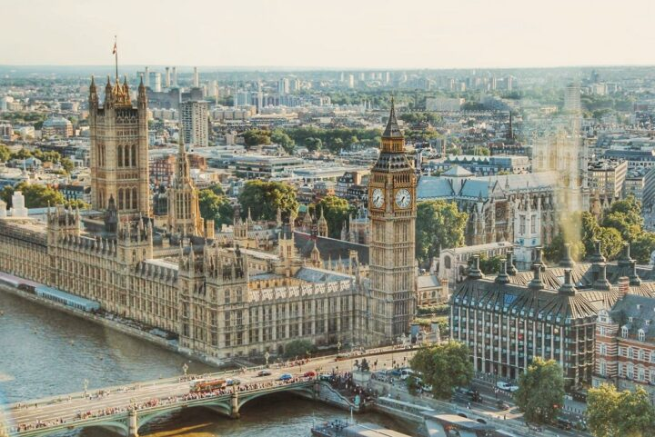 https://www.pexels.com/photo/city-view-at-london-672532/