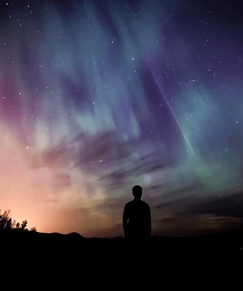 https://pixabay.com/de/photos/aurora-aurora-borealis-borealis-1185877/